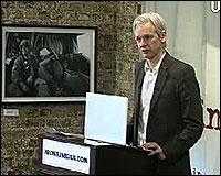 Assange en el Frontline Club