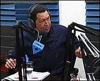 Hugo Chavez en su programa de radio
