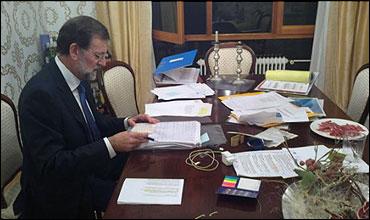 Rajoy preparando el debate en una casa