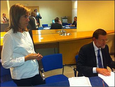 Rajoy con Ana Mato en el descanso