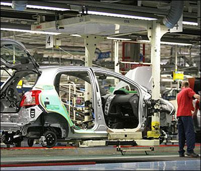 Una fábrica automovilçistica