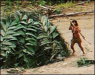 Una mujer de un pueblo aislado en el Rio Piedras, Peru