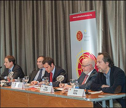 Presentación del libro 'Visión del exterior: la imagen de España en el mundo' de Javier Noya