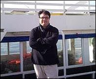 Joan Josep Nuet en el barco