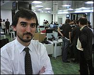 Nacho Escolar en la redacción de Público