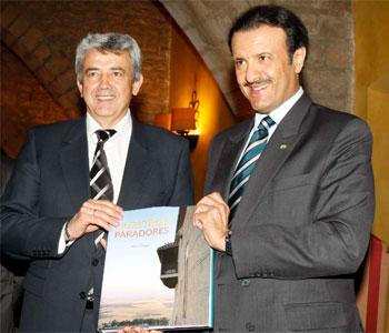 Miguel Martinez y el Principe Sultan Bin Abd-al-Aziz