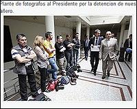 Plante de fotorgrafos a  Zapatero