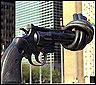 Escultura contra las armas