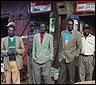 Un grupo de hombres que busca trabajo en Kenia