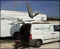 Una unidad móvil de televisión