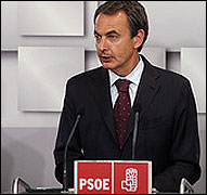Zapatero comparece tras el 22M