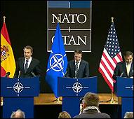 Zapatero, Rasmussen y Panetta en la OTAN