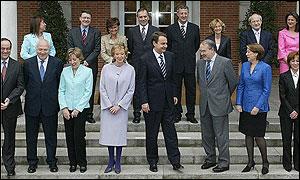 Zapatero y su primer gobierno paritario